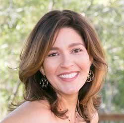 Anabel-Quintanilla headshot